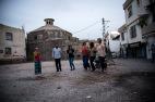 Danser kurdisk dans i de selvstyrte områdene i Amed