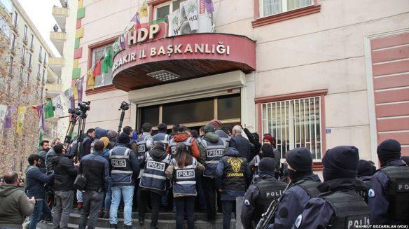 HDP_Afrin_protesto_engeli-e1523221127567